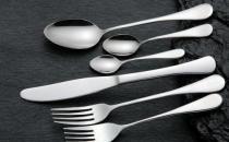 让旧的不锈钢餐具恢复光洁的方法