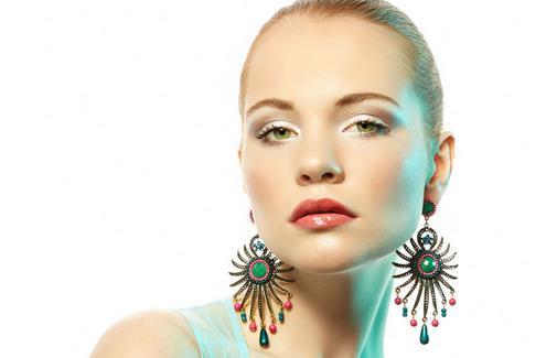 自测皮肤色调 教你如何选择彩妆产品