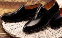让新皮鞋不磨脚的小妙招
