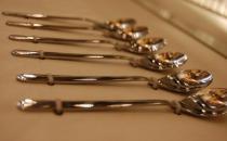 让金属餐具恢复光泽的小妙招