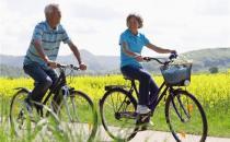 骑车健身可让老人腿不老