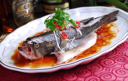 清蒸鲈鱼怎么做?鲈鱼的做法