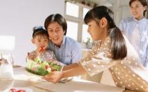 父母坏习惯危害孩子健康