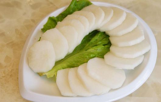 白萝卜的冬季养生食疗方