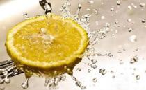 喝柠檬水可以排毒减肥
