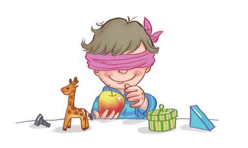 训练自闭症患儿感知觉的方法 训练自闭症患儿感知觉的方法 冬冬(一个5岁自闭症儿童)的视觉发展比较好,有注视能力和一定的追视能力,但视觉辨别能力较差。 1、静态视觉训练: 拼图,点数。这两个项目的练习要做到频繁,每天都有,但每次持续时间不要太长,不超过15分钟。冬冬对这一类型的练习已经觉得厌倦了。 2、动感视觉训练: 没有发现冬冬在这方面的能力不足。但是这方面的练习项目也没有。这种训练形式游戏性较强,可以调节冬冬的情绪。目前有三种可能的活动方案,第一是吹泡泡,由训练者或冬冬吹出满屋子的泡泡,再要求冬冬追打