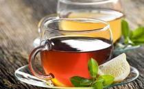 绿茶加冰糖帮你缓解咽喉炎