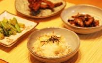 晚饭吃太晚小心发胖!