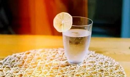 喝水减肥有讲究你喝对了么?完针搓瘦脸脸打了图片