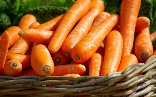胡萝卜素竟容易致肺癌?