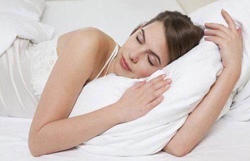 """美容觉你真的会睡吗?说不定你的睡姿是""""毁容"""""""