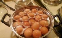 煮鸡蛋用热水还是冷水 生活中这些问题怎么解答
