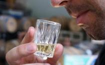 酒精过敏的原因与症状有哪些
