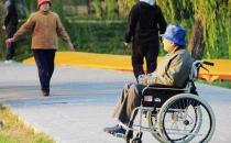 瘫痪老人便秘该如何护理