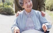 如何照顾好家中的瘫痪老人
