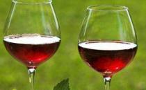 冬季男人延年益寿要喝红酒