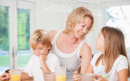 单亲家庭孩子的心理有什么问题