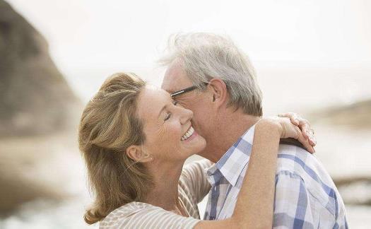 老年夫妻分居并不科学!