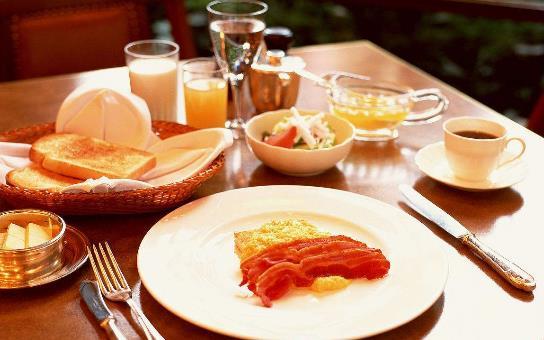 早餐吃咸菜配稀饭真的好吗?