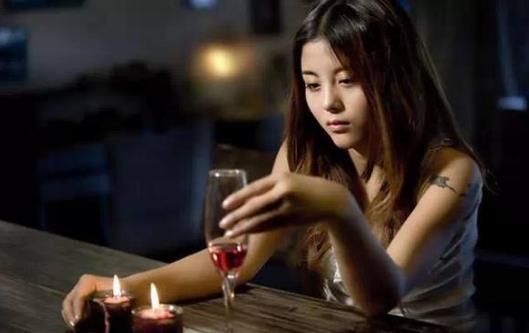 喝酒后千万别吃这些致命药!