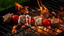 吃烧烤有哪些危害 夏季吃烧烤注意事项 怎么吃烧烤才健康