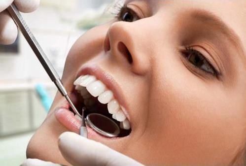 """目前最""""火""""的牙齿美白手段 牙医才懂的牙齿美白利与弊"""