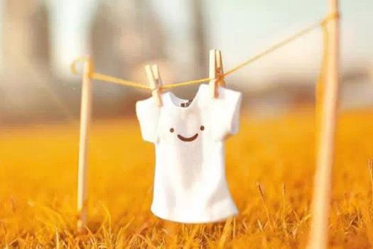 分享生活中实用小技巧 白衣服上碰到油渍用洗洁精洗