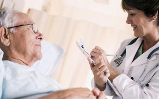 老人常常会有血脂高的问题 这些食疗方有效降血脂