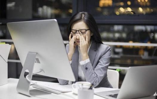 经期熬夜的危害 来例假熬夜后头晕 这些食物帮你缓解