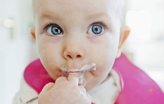 酸奶的营养成分及功效 什么时候喝酸奶最好