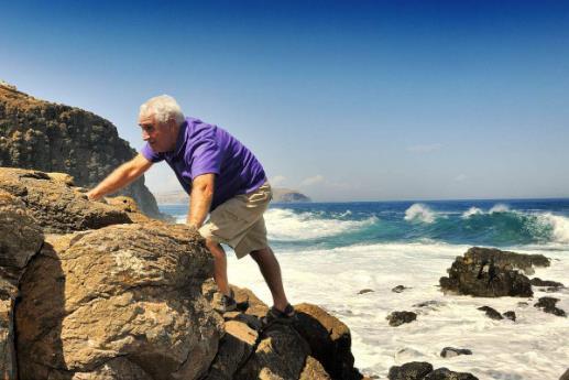 骨科专家称:爬楼爬山是最笨的运动 膝盖磨损严重