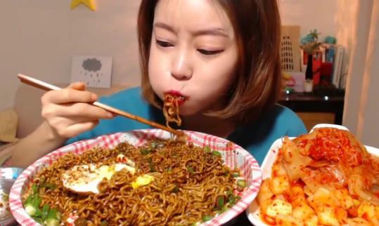 方便面多久吃一次不影响健康 不能吃的是这两类人