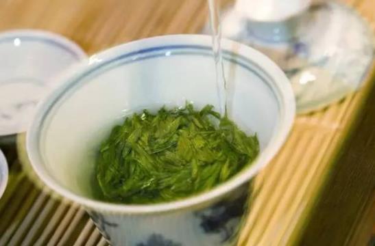 茶中佳品明前茶的独特优点 喝明前茶的注意事项