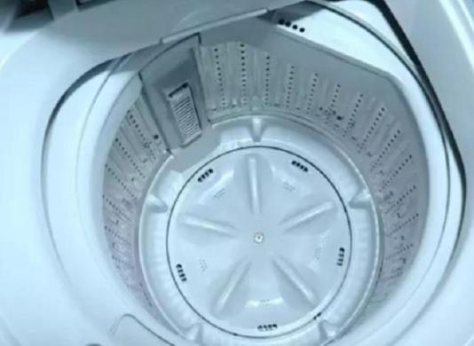 洗衣机半年不洗内部很脏 家政阿姨支招洗衣服更干净