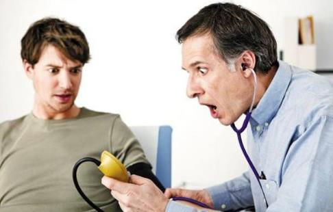 中老年男性血压易升高 四种食物帮你降血压