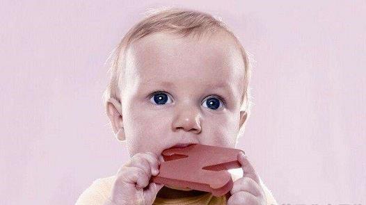 宝宝嗓子发炎的原因 可吃的食物