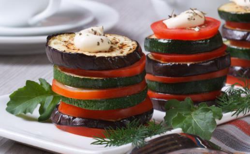 减肥期间不可以只吃素菜 做好荤素搭配不会增加脂肪