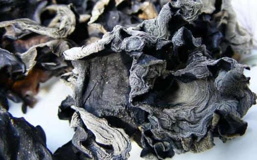 黑色食物可以补肾 常吃黑米补肾养身