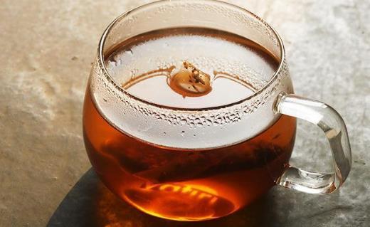 健脾开胃解油腻 吃大餐就冲一杯大麦茶吧