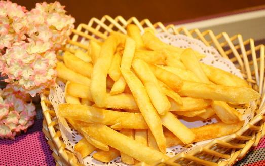 放肆去吃来取悦自己的恶果 不只发胖这么简单
