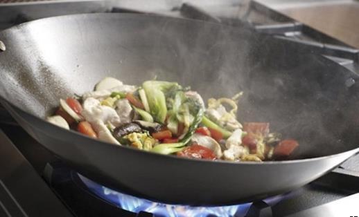 调料不仅赠味还养生 炒菜放调味料的最佳时间