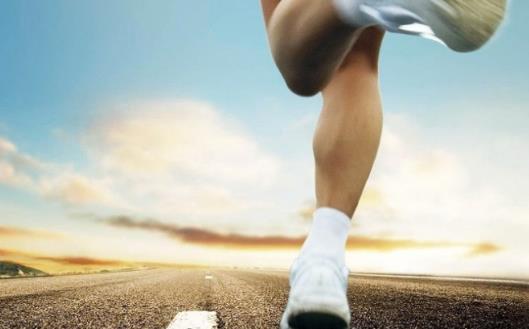 看似简单的跷二郎腿 和身体舒服感心理状态习惯都有关系