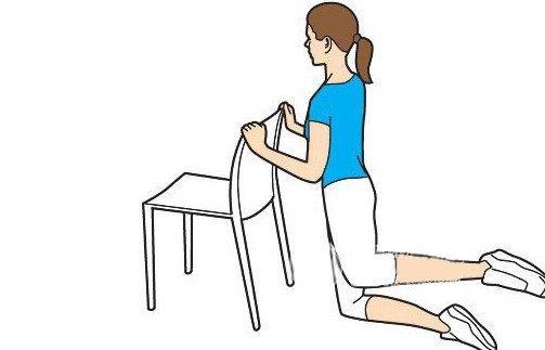 伸伸腰就能解乏 白领必学的椅子操