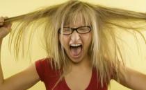 头发干枯是气血不足 试试这些改善身体状况