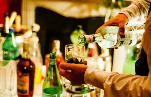 关于酒的这些传言 来看看关于酒的真相