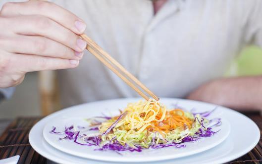筷子这么多禁忌我们不能忽视 使用筷子的注意事项