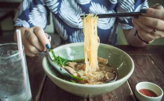 正确使用筷子是我们的必修课程 使用筷子的注意事项