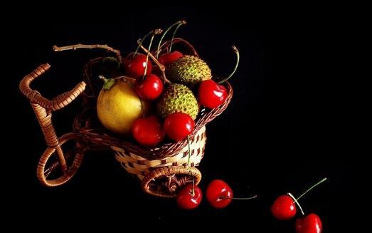 吃水果有对身体有益处 但肠胃不适者应避免吃这些水果