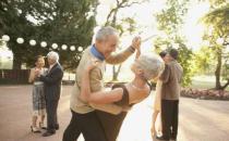 行动迟缓当心帕金森找上门 老年人适当锻炼有益身心