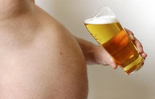 长啤酒肚是否是喝啤酒造成的 消除啤酒肚的五个方法
